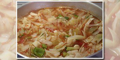 Hvidkålskuren – læs fordele, ulemper og find opskrifter på denne suppekur