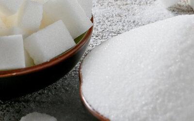 4. Spar på sukker – især fra sodavand, slik og kager
